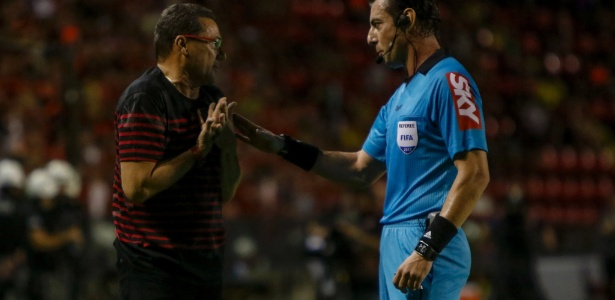Raphael Claus conversa com Vanderlei Luxemburgo
