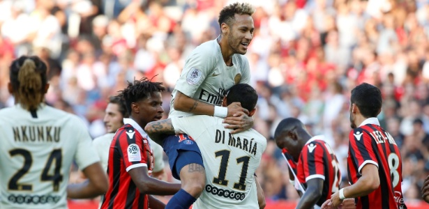 Neymar comemora gol que abriu o placar para o PSG contra o Nice - Jean-Paul Pelissier/Reuters