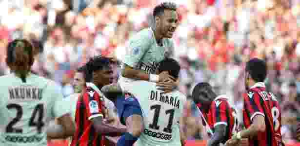 Neymar faz dois 7c09ace350014