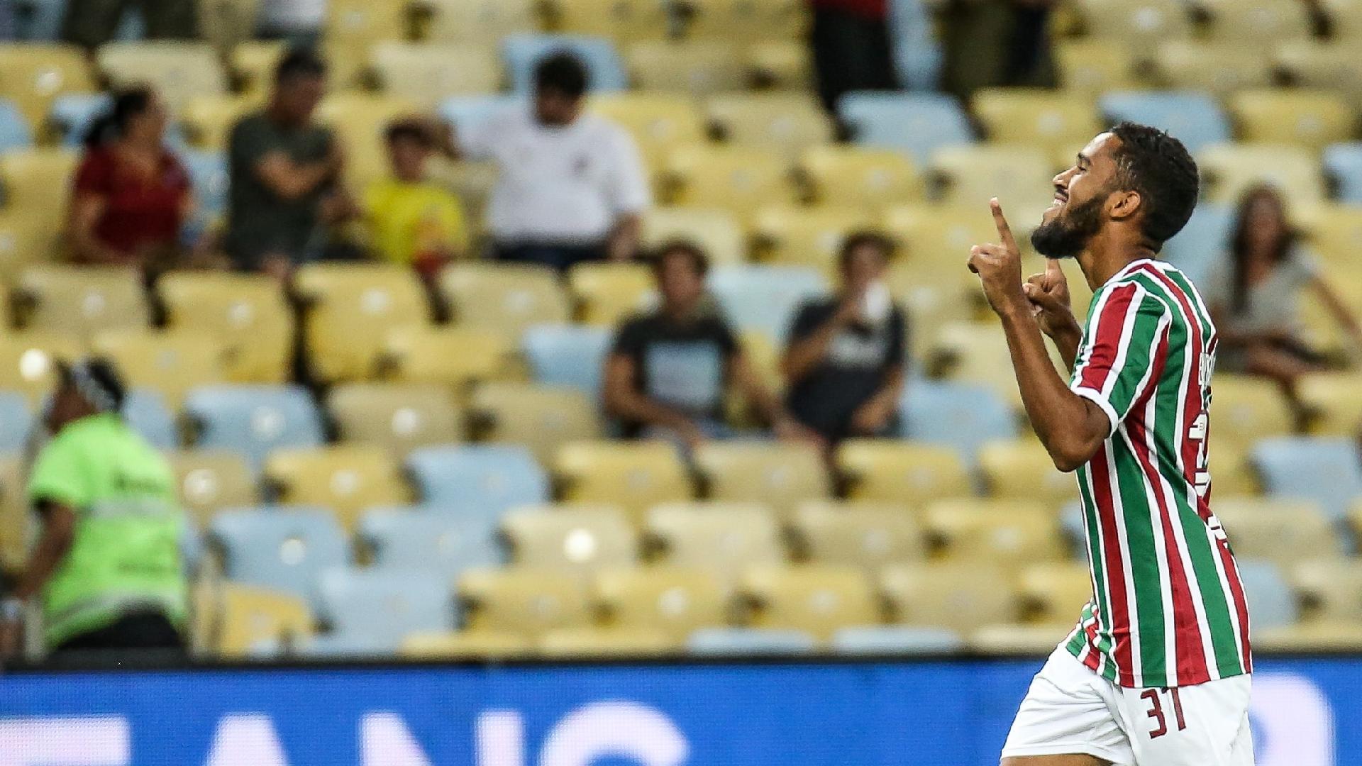 Everaldo comemora gol do Fluminense pela Copa do Brasil
