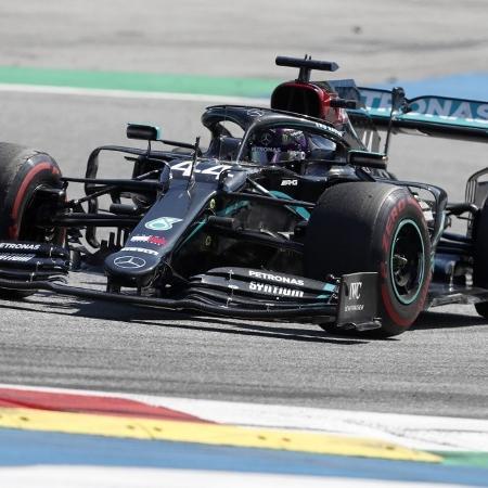 Hamilton durante o GP da Áustria de Fórmula 1  - DARKO BANDIC/AFP