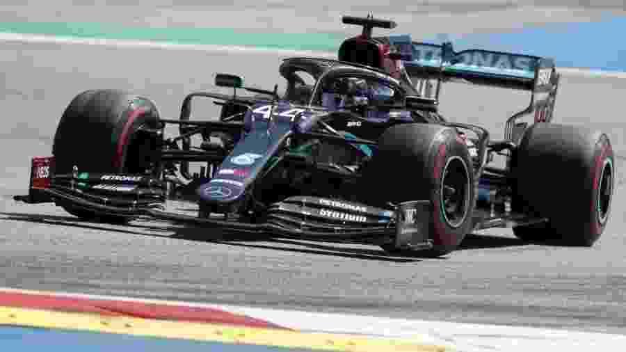Hamilton pode igualar o recorde de poles de Schumacher em um mesmo circuito: sete - DARKO BANDIC/AFP