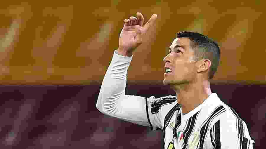 Cristiano Ronaldo comemora gol da Juventus contra a Roma, pelo Campeonato Italiano - Tiziana FABI / AFP