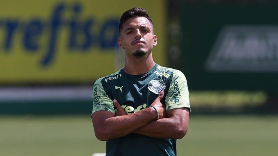 O jogador Gabriel Menino, do Palmeiras, durante treinamento, na Academia de Futebol. - Cesar Greco