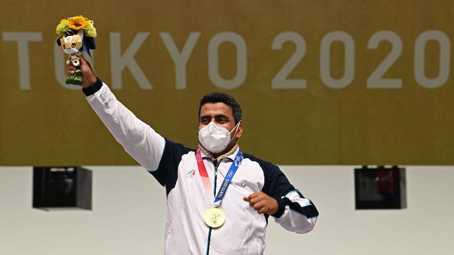 Javad Foroughi foi o primeiro medalhista iraniano no tiro esportivo - Tauseef MUSTAFA / AFP