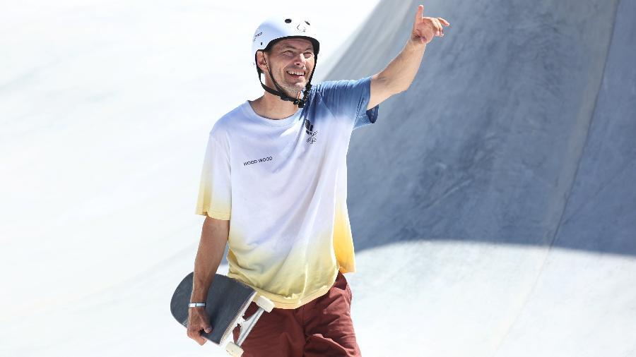 Dinamarquês Rune Glifberg, de 46 anos, na classificatória do skate park masculino - REUTERS/Mike Blake