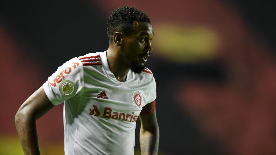 Edenilson em jogo do Inter contra o Sport - Ricardo Duarte/Inter