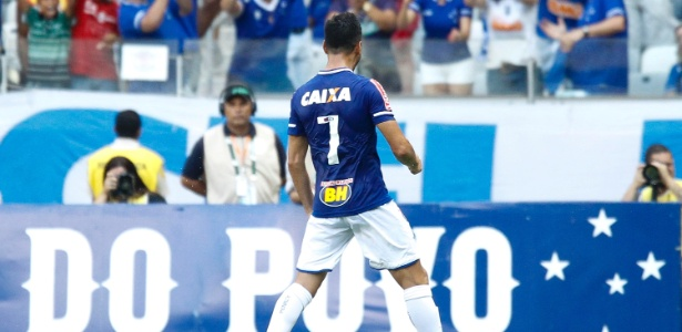 Sánchez Miño, lateral esquerdo e meio-campista do Cruzeiro