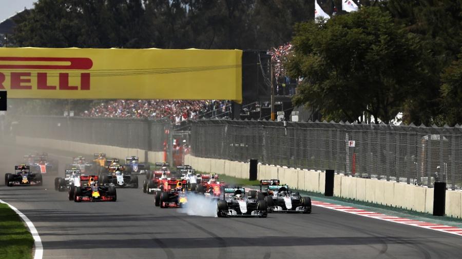 Largada do GP do México, com freada polêmica de Lewis Hamilton - Mark Thompson/Getty Images