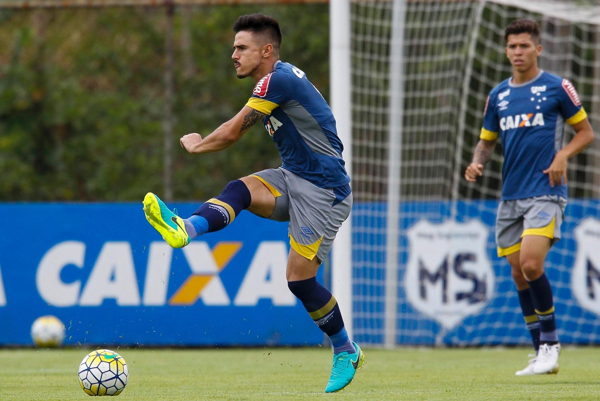 5fb3aec659dfd Cinco motivos para Willian cogitar troca do Cruzeiro pelo São Paulo -  01 11 2016 - UOL Esporte