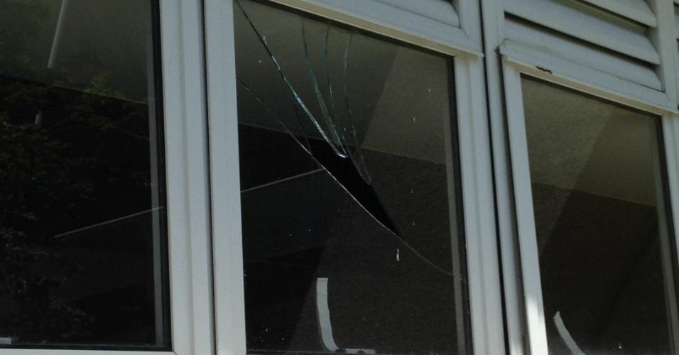 Vidraças quebradas era um dos problemas do Maracanã após Rio-2016