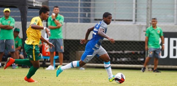 Bolaños marcou um gol e deu assistência para outro no primeiro tempo do jogo-treino