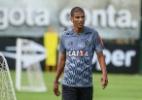 Incômodo no joelho tira Léo Silva da segunda partida seguida pelo Atlético - Bruno Cantini/Atlético-MG