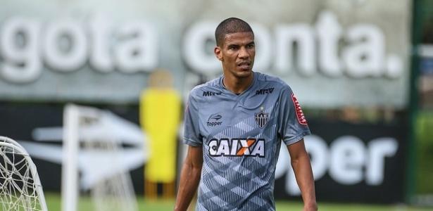 Zagueiro Leonardo Silva quer renovar com o Atlético-MG