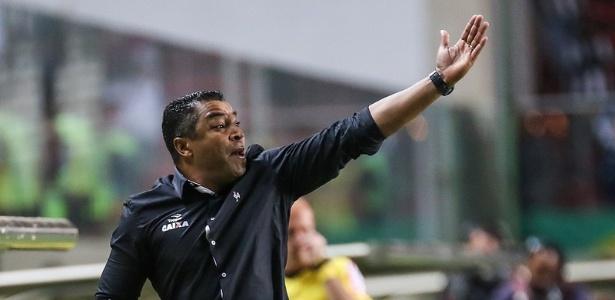 Roger Machado é o principal alvo do Flamengo para substituir o demitido Zé Ricardo