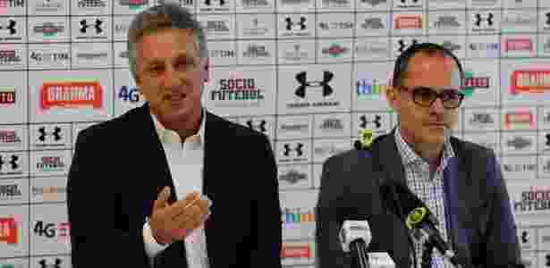 Marcus Vinicius Freire e o presidente pedro Abad: Flu passa por grandes cortes - Nelson Perez/Fluminense