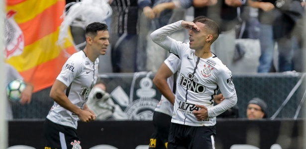 Gabriel comemora gol marcado pelo Corinthians no clássico com o Palmeiras