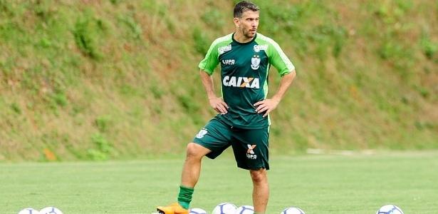 Leandro Donizete vai defender o América-MG até o fim da temporada