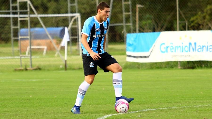 Marco Saravia chegou ao Grêmio no ano passado e tem histórico em seleções de base do Peru - Divulgação/Grêmio