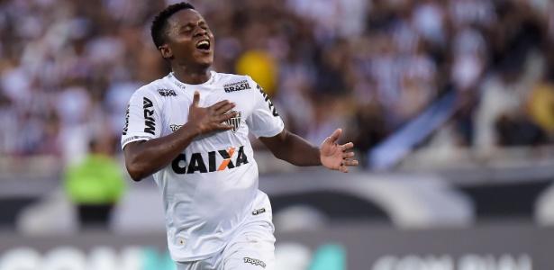 Cazares comemora um de seus gols pelo Atlético-MG na atual edição do Campeonato Brasileiro - Thiago Ribeiro/AGIF