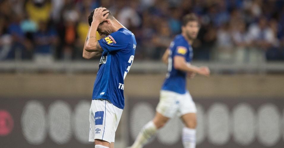 Thiago Neves lamenta chance perdida pelo Cruzeiro em jogo contra o Fluminense