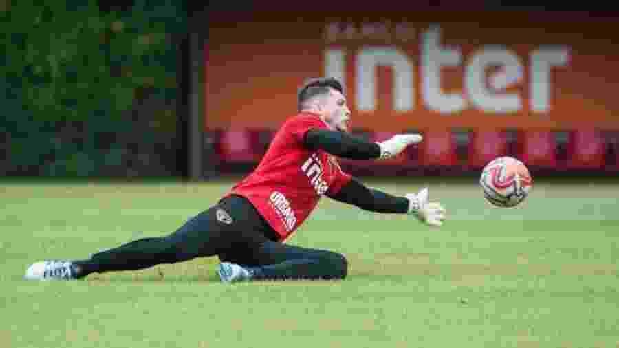 Tiago Volpi durante treino do São Paulo - Instagram/tiagovolpi_90