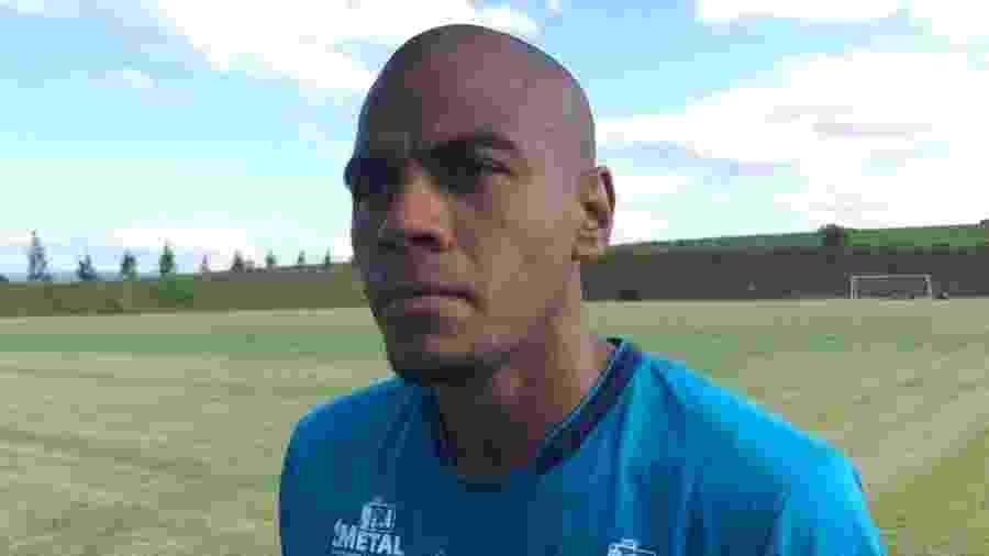 Lateral-direito Régis vinha atuando como titular do São Bento na Série B - Divulgação/EC São Bento