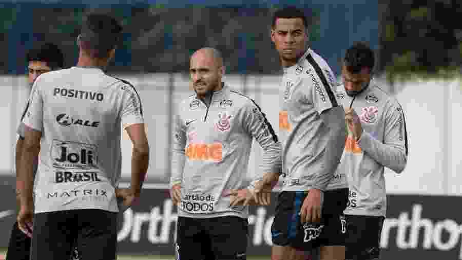 Atacante Gustagol treina com os companheiros de Corinthians no CT Joaquim Grava - Daniel Augusto Jr/Ag. Corinthians