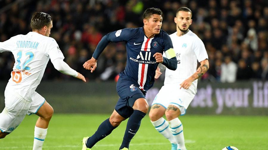 Thiago Silva, zagueiro do PSG, em jogo contra o Olympique de Marselha - Bertrand Guay/AFP