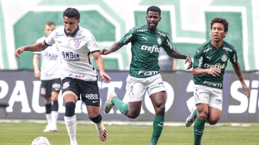 Éderson chegou a ser titular do Corinthians no Paulistão do ano passado, mas foi perdendo espaço no elenco  - Rodrigo Coca/Agência Corinthians