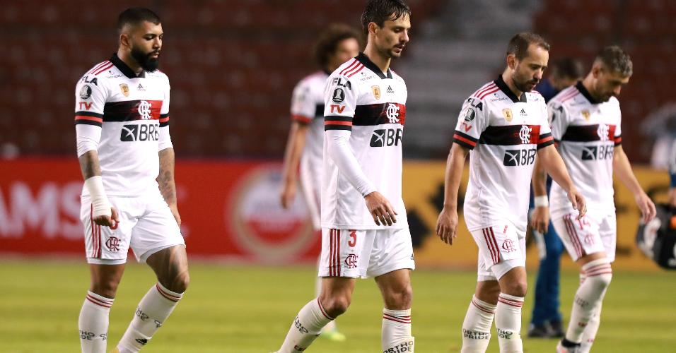 Jogadores do Flamengo lamentam derrota para o Independiente del Valle na Libertadores