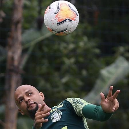 Felipe Melo, durante treino do Palmeiras, na Academia de Futebol - Cesar Greco