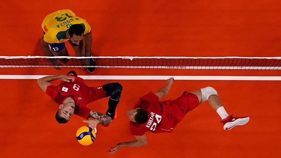 28.jul.2021 - Partida de vôlei entre Brasil e Rússia válida pela primeira fase do torneio olímpico - Carlos Garcia/Reuters