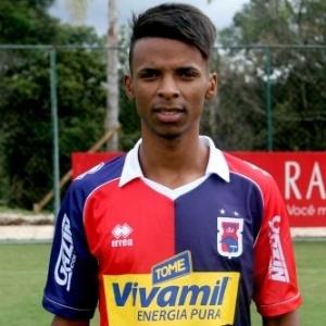 Emprestado pelo Atlético-MG, Henrique é destaque do Paraná na Série B