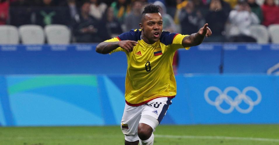O colombiano, Dorlan Pabon, comemora segundo gol da equipe diante da Nigéria