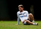 Santos anuncia parceria e 'oferece' carro a Lucas Lima