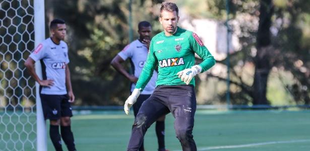 Sem jogar desde dezembro, Victor pode retornar ao gol do Atlético-MG contra a URT