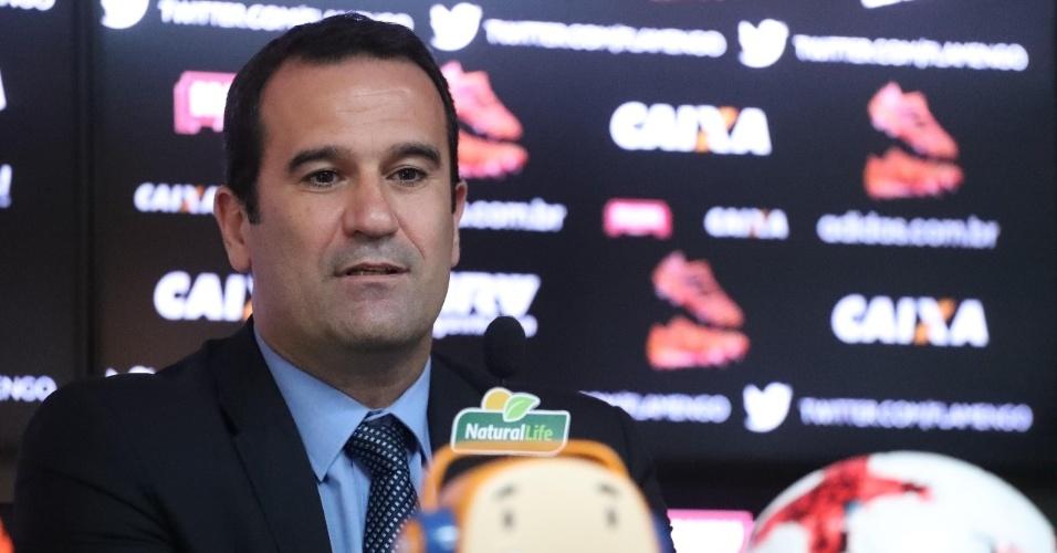 Ricardo Lomba foi apresentado nesta sexta (6): novo vice de futebol do Flamengo