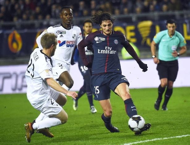 Lance da partida entre Amiens e PSG, pela Copa da Liga Francesa
