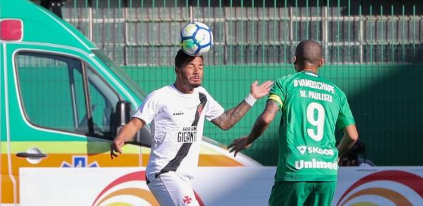 Bola aérea e gols perdidos ligam alerta do Vasco para a Libertadores ... 16aab6b27924a