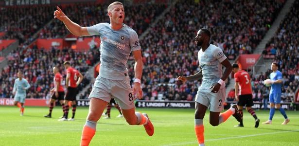 Barkley comemora seu primeiro gol com a camisa do Chelsea  - Mike Hewitt/Getty Images