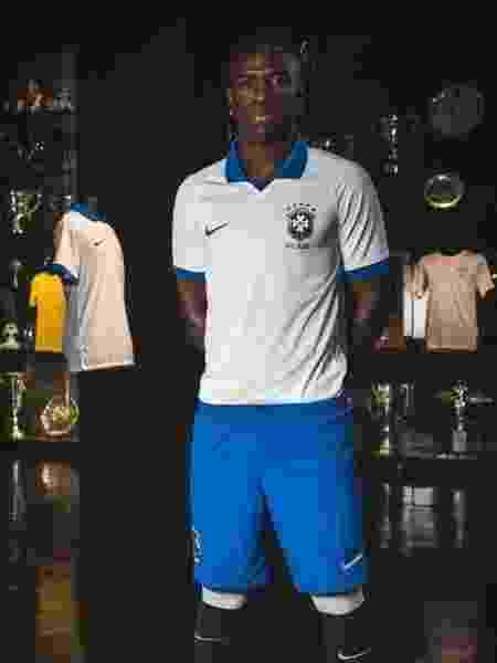 Vinicius Jr., fora da lista da Copa América, foi um dos protagonistas do lançamento do uniforme branco da seleção - Divulgação