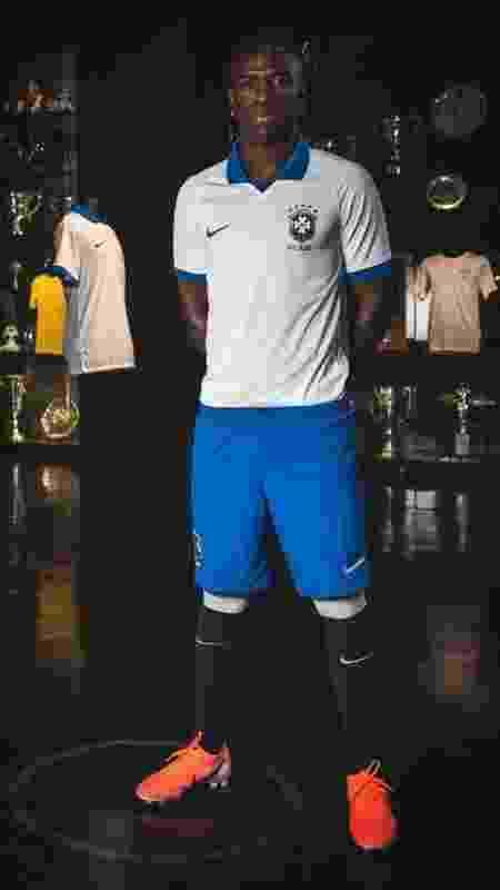 Roberto Carlos, pela seleção brasileira - Divulgação - Divulgação