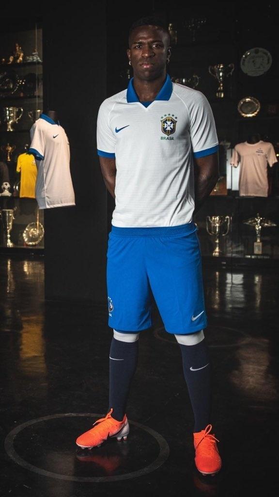 Vinicius Junior camisa branca seleção brasileira