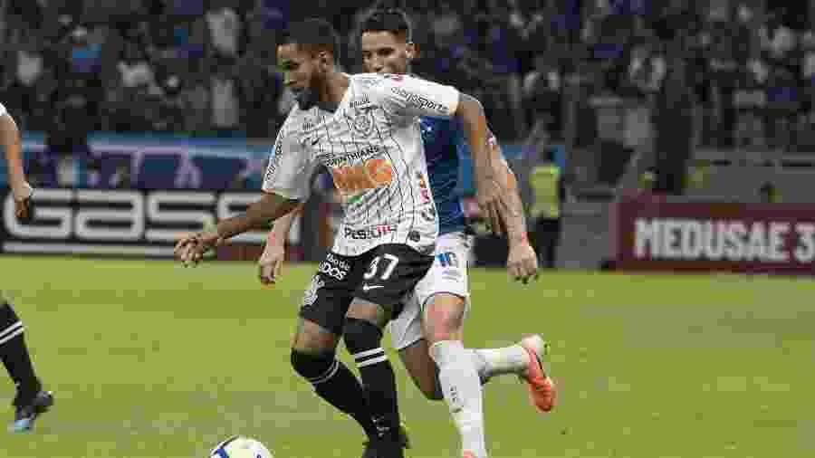 Reforço já enfrentou Cruzeiro e Santos no lado esquerdo, mas pode ser deslocado para suprir carência do elenco - Daniel Augusto Jr/Ag. Corinthians