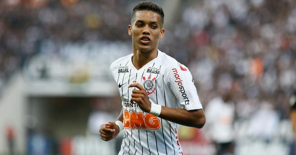 Pedrinho, jogador do Corinthians, enfrenta o Botafogo na Arena