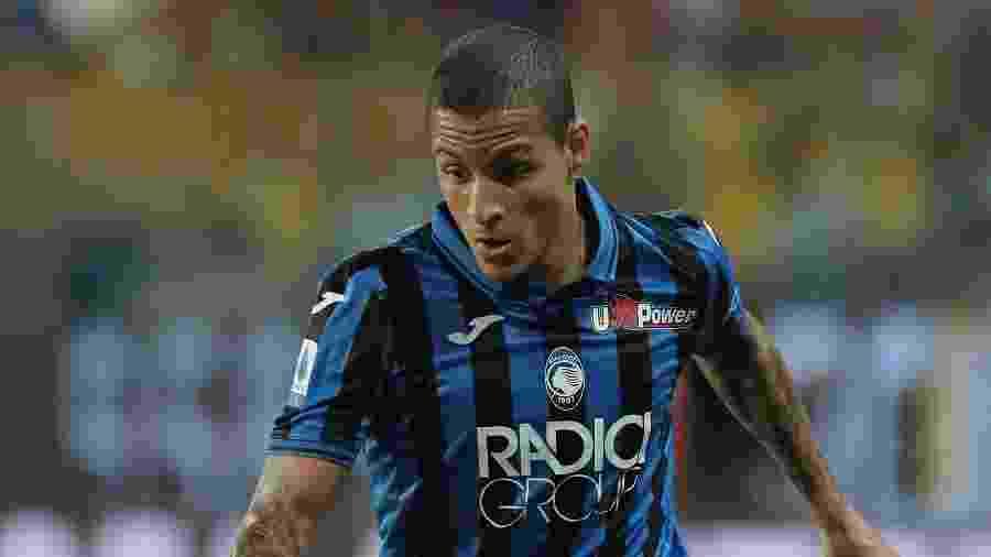 Emprestado ao Atalanta pelo Sevilla, Guilherme Arana teve pouco espaço no clube italiano e pode voltar ao Brasil - Emilio Andreoli/Getty Images