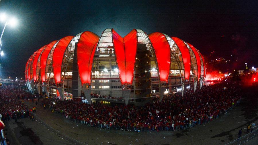 Beira-Rio recebeu muita gente durante a final da Copa do Brasil e houve confusão - RODRIGO ZIEBELL/FRAMEPHOTO/FRAMEPHOTO/ESTADÃO CONTEÚDO