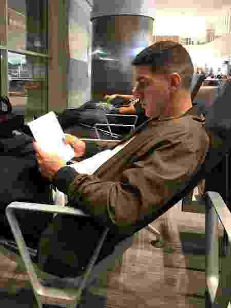 Nino, zagueiro do Fluminense, dedica tempo à leitura, e técnicos europeus ganham destaque - Divulgação