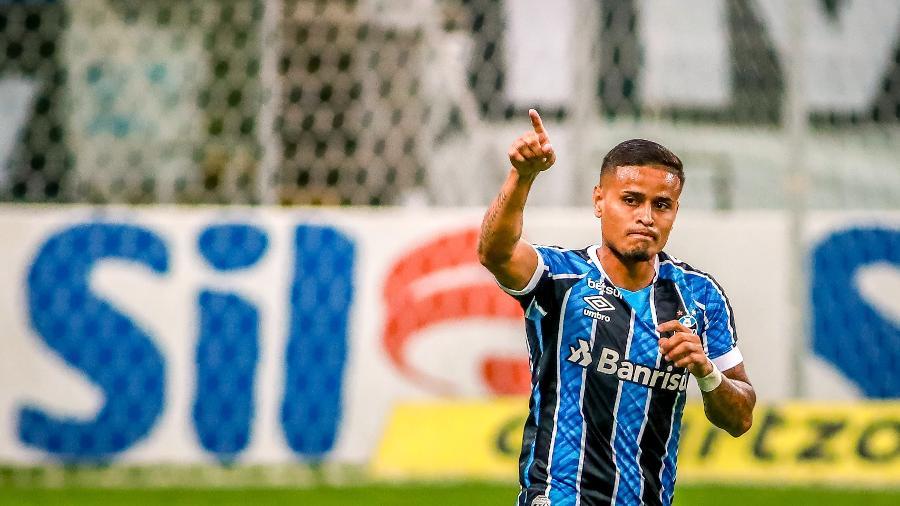 Everton hoje é jogador do Grêmio - Silvio Avila/Getty Images